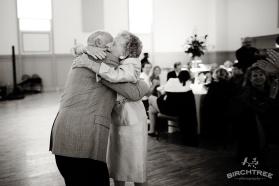 couple-dancing-at-wedding02